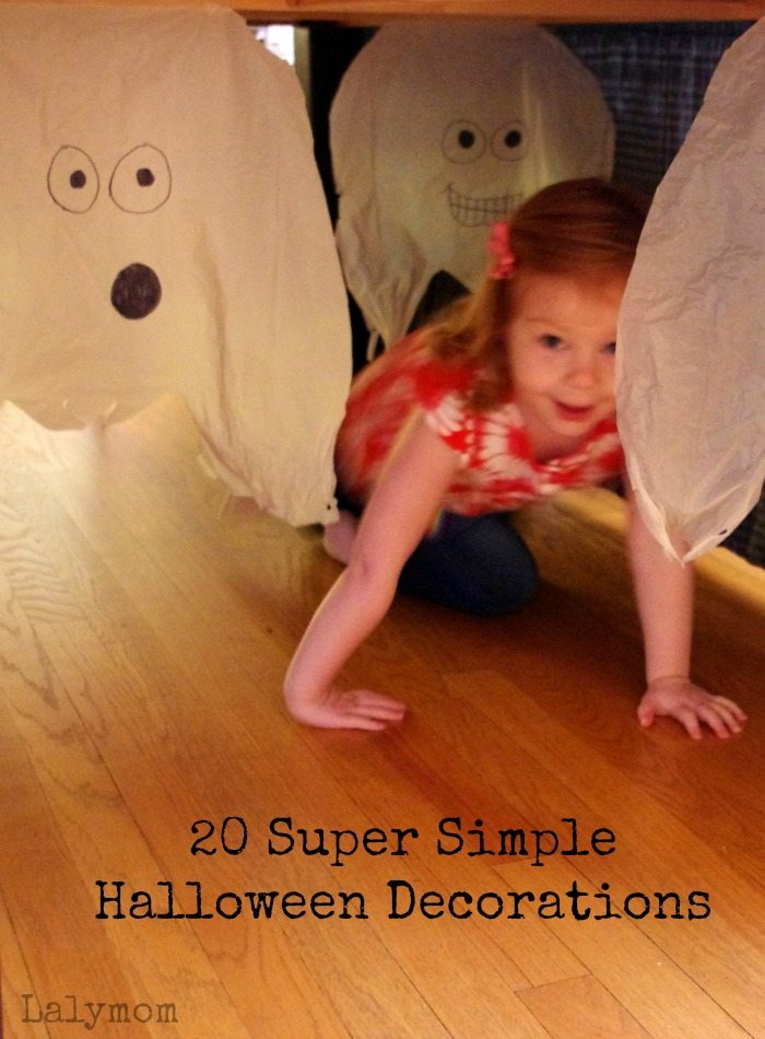 plastic bag ghosts 20 super simple diy halloween decorations on lalymomcom - Simple Homemade Halloween Decorations