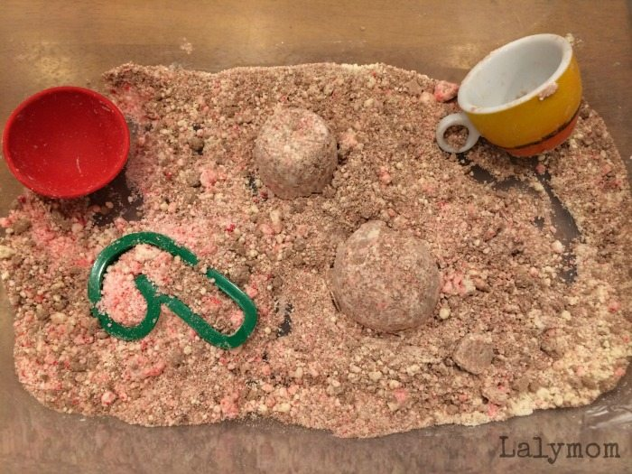 Sweet Smell of Christmas Cloud Dough Recipe - Apple Pie, Cocoa and Peppermint - great holiday book activity for kids!