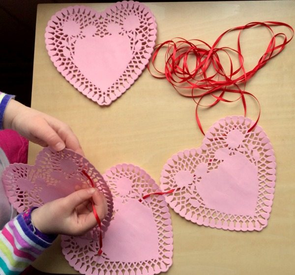 3 Simple Valentines Day Activities for Kids - perfect for busy bags or class parties