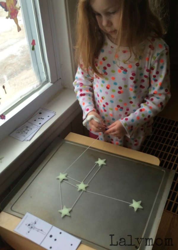 Making constellations with the stars on Lalymom.com