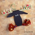DIY Mooseltoe Ornament - Adorable Felt Christmas ornament to make with your kids when you read Mooseltoe- So Cute!