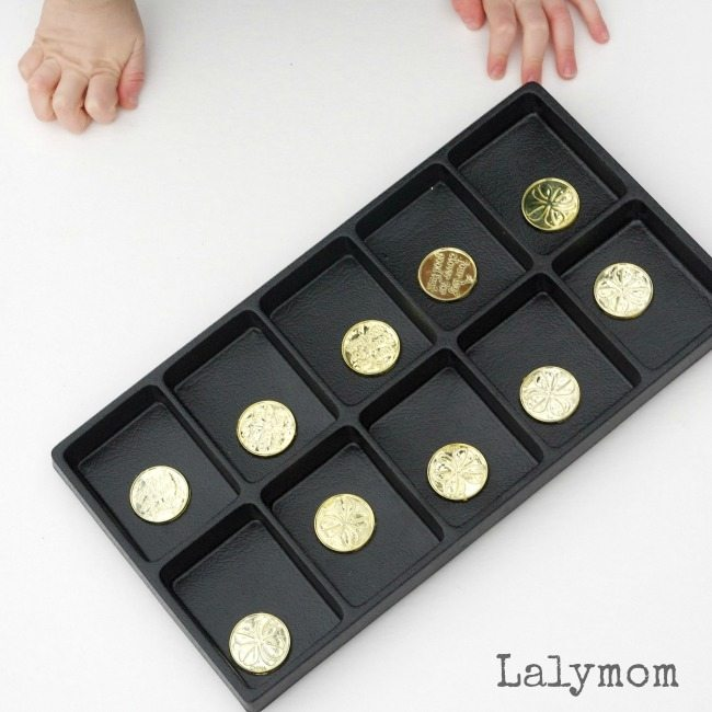 Easy Coin Flip Ten Frame - Could be used to work on math facts, subitizing or probability. Easy math center!
