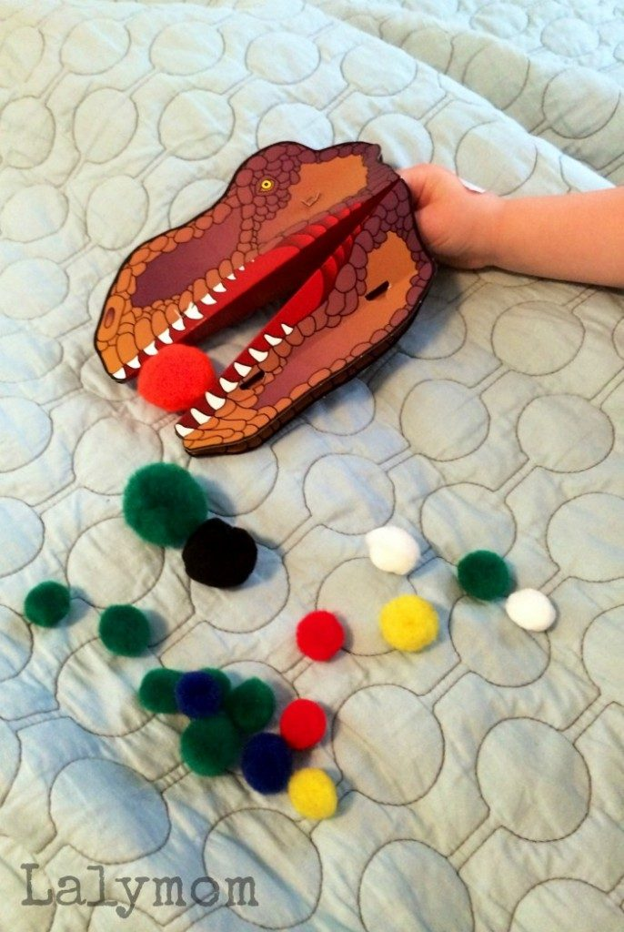 Snappets cool Dinosaur Craft and Toy review on Lalymom.com. This super cook paper hand puppet is great for fine motor skills activities and more!