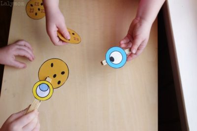 Mo Willems Book Extension Printable Activity - Duckling Gets a Cookie Clothespin Game on Lalymom.com - How fun!