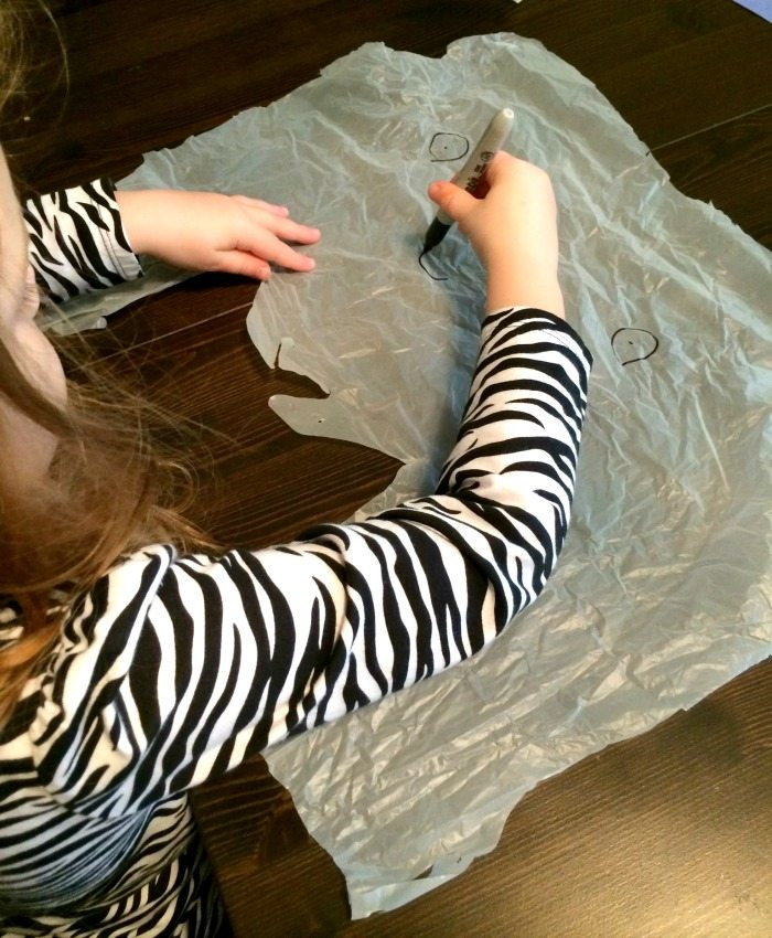making plastic bag ghosts on Lalymom.com