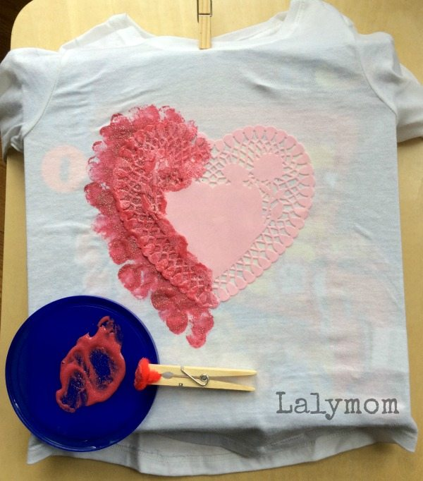Valentine's Day shirts - Kid-made, could be for anyone! Click through for the quick tips to make your own!