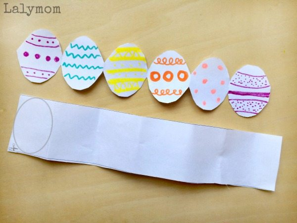 Free Printable Easter Egg Garland - Easy Easter Preschool Crafts for Kids from Fine Motor Fridays on Lalymom.com
