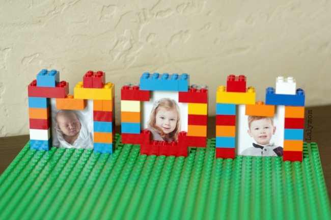 DIY LEGO Picture Frame - What a cool photo gift for Mother's Day!