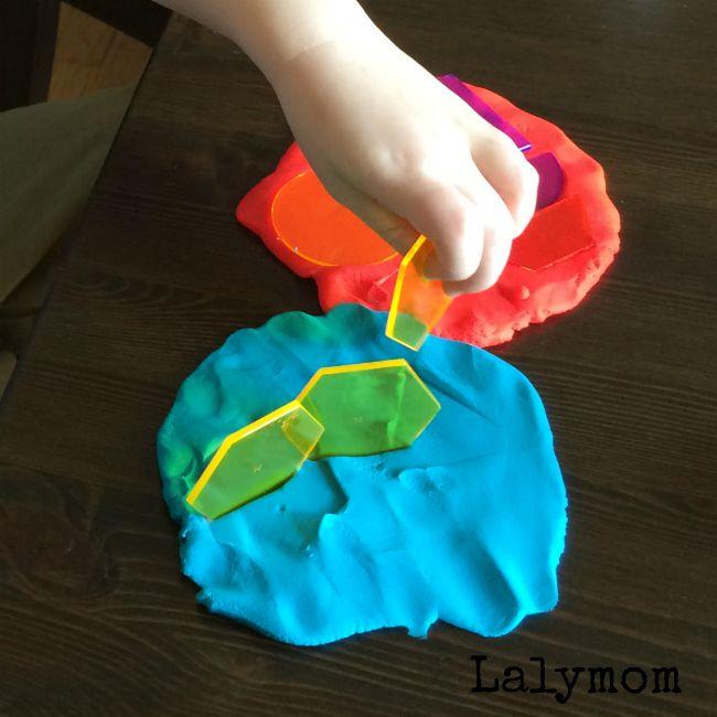 Simple, Low-prep STEM activities for toddlers, preschoolers or kindergartners.