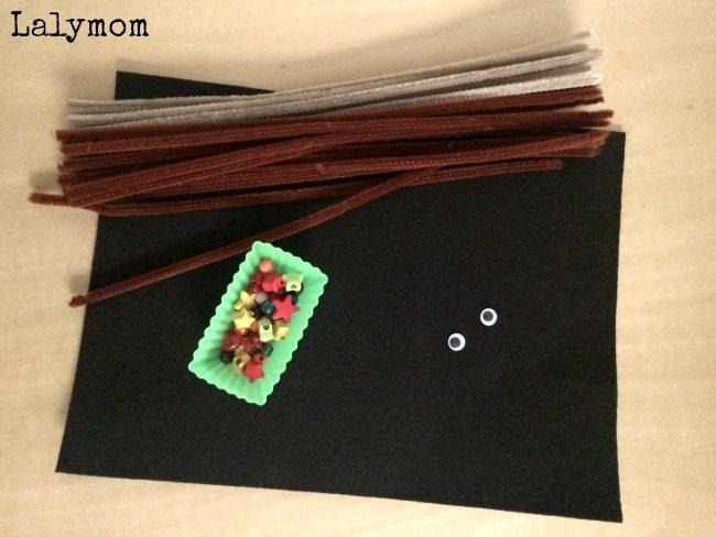 DIY Mooseltoe Ornament Materials